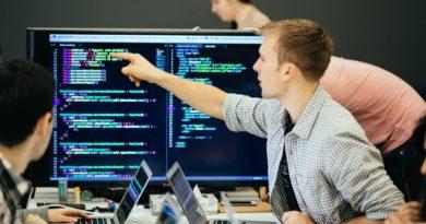 Apprendre à coder en école de commerce ?